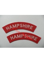 1726 Hampshire Regiment, re-enactors shoulder titles, pair.